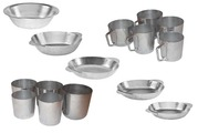 Алюмінієві тарілки,  кухлі та стакани .
